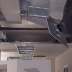 Impianto di condizionamento con controsoffitto presso locale commerciale